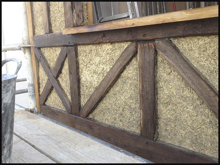 Chaux et chanvre pour la sauvegarde d'une maison à colombages